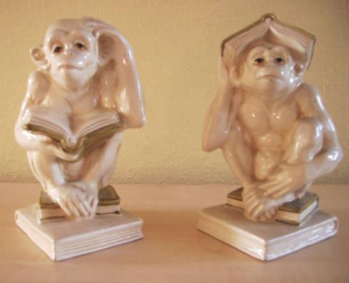 Buchstützen in Keramik