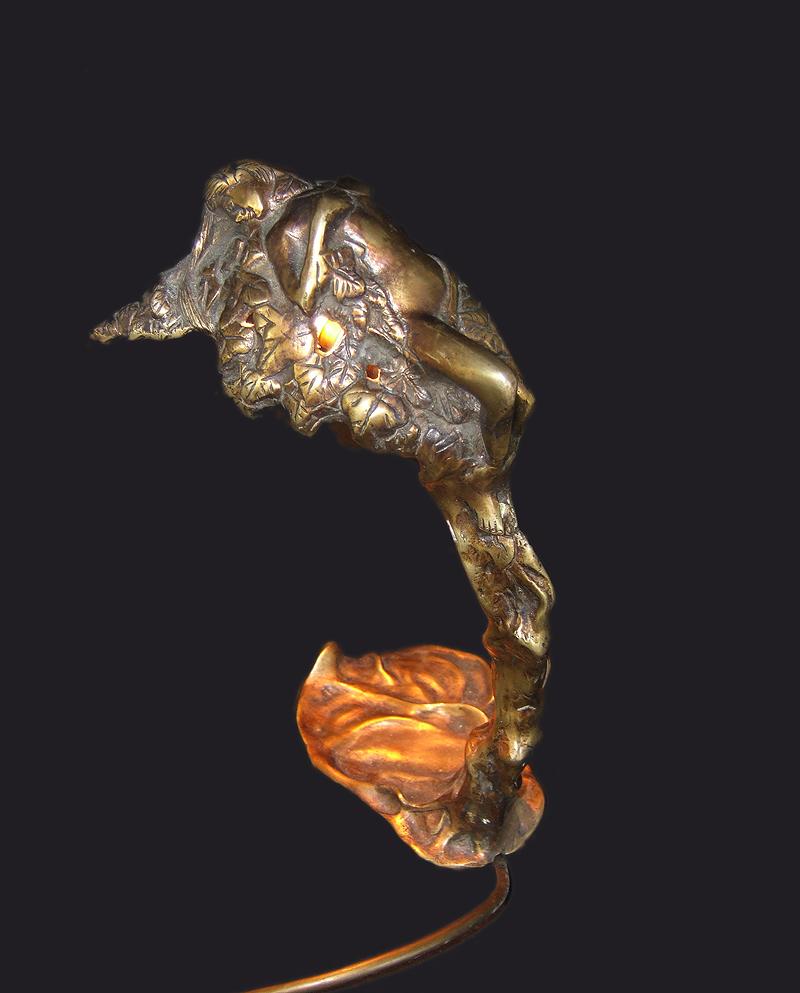 Jugendstil Bronze-Tischlampe Waldnymphe, vergoldet